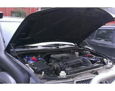 Упоры капота для Mitsubishi Pajero Sport 2008-2016 г.в.