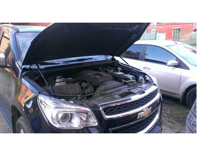 Упоры капота для Chevrolet Trailblazer II от 2012 г.в.