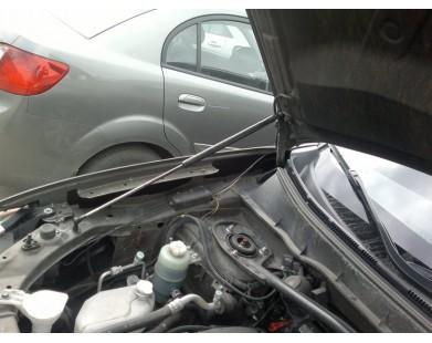 Упоры капота для Mitsubishi Outlander XL