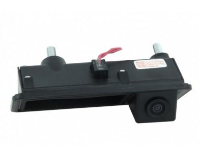 Камера заднего вида Intro VDC-089 для Volkswagen Caravella 2003-2009 г.в.