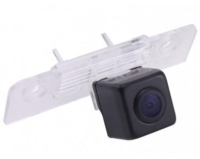 Камера заднего вида с динамической разметкой Pleervox для Ford Fusion
