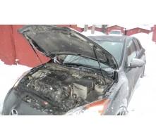 Упоры капота для Mazda 3 BL