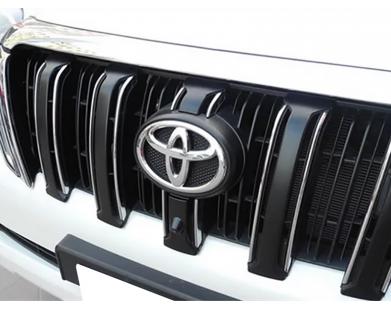 Цветная фронтальная камера для Toyota Land Cruiser Prado 150 от 2013 г.в. (Pleervox)
