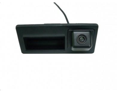 Камера заднего вида Pleervox PLV-CAM-VWG02 для Volkswagen Touareg и Jetta от 2010 г.в.