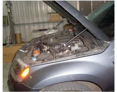 Упоры капота для Suzuki Grand Vitara II