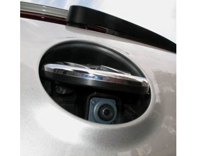 Камера заднего вида в логотип SWAT VDC-200 для Volkswagen Multivan