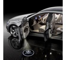 Подсветка дверей с логотипом Mercedes C-class (2 шт., в штатные места)