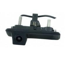 Камера заднего вида Intro VDC-084 для Skoda Superb 2008-2013 г.в. (в ручку багажника)