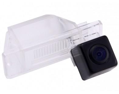 Камера заднего вида Pleervox PLV-AVG-NISQ для Nissan X-Trail